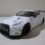 MINI GT 9 1/64 LB☆WORKS 日産 GT-R(マットホワイト)