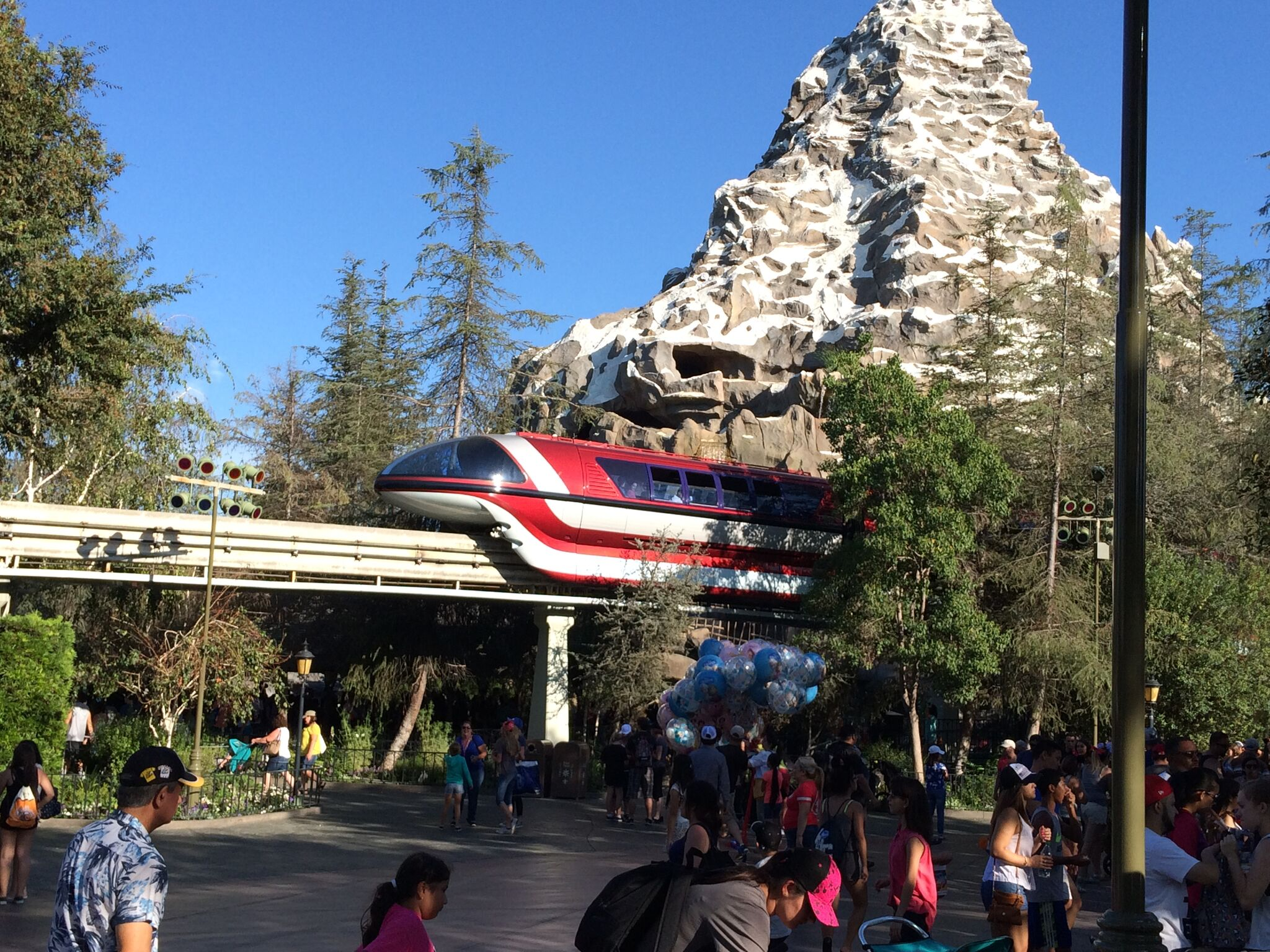 All the disneyland rides in detail with height requirements, seating arrangements,. Disneyland Vs Disney World The Matterhorn Bobsleds And Expedition Everest Touringplans Com Blog