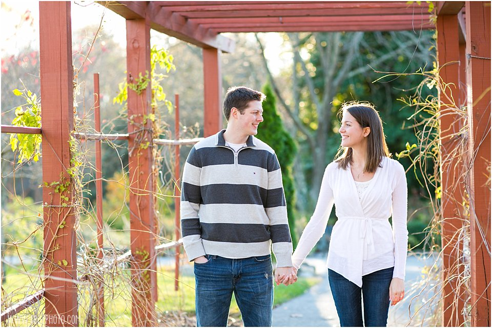 Shrine-of-StAnthonys-Engagement-Photos_0020