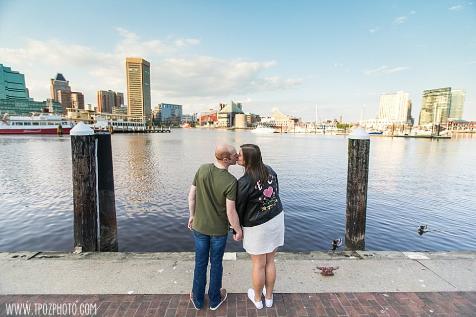 Baltimore Harbor Engagement Photos || tPoz Photography || www.tpozphoto.com