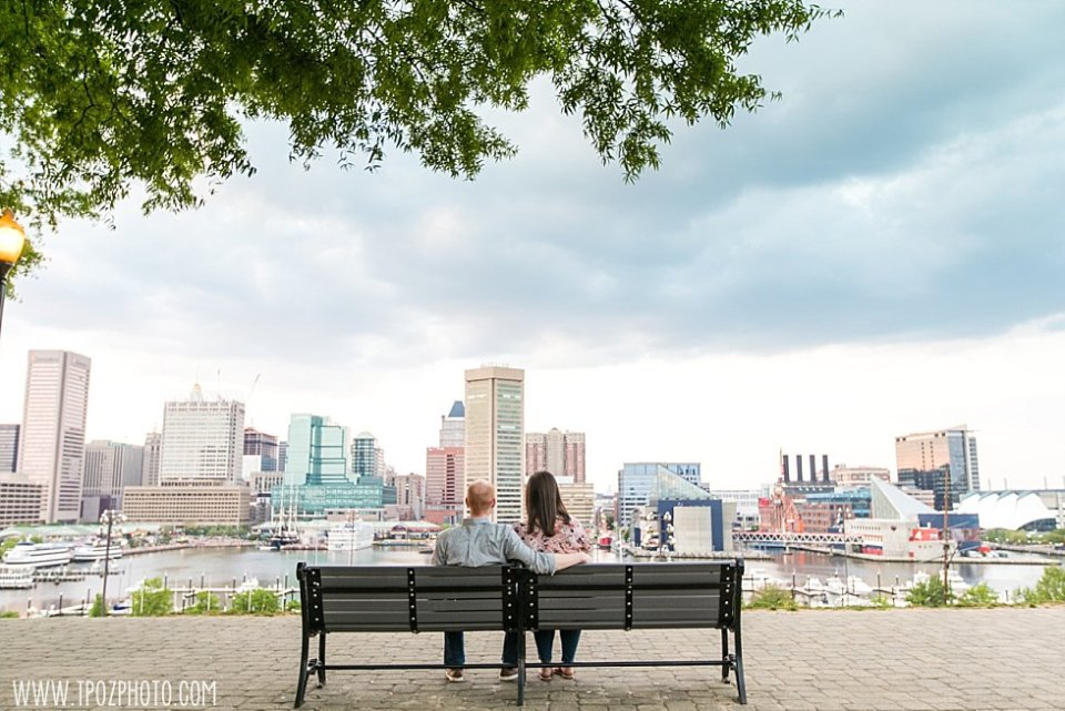 Federal Hill sunset Engagement Photos || tPoz Photography || www.tpozphoto.com