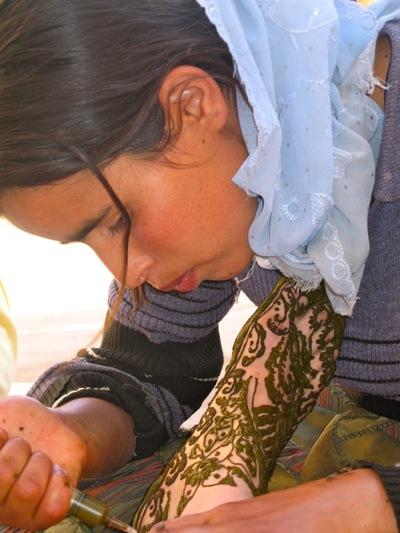 Henna-Hands-Ait-Ouzzine-Village-Berber-Tours