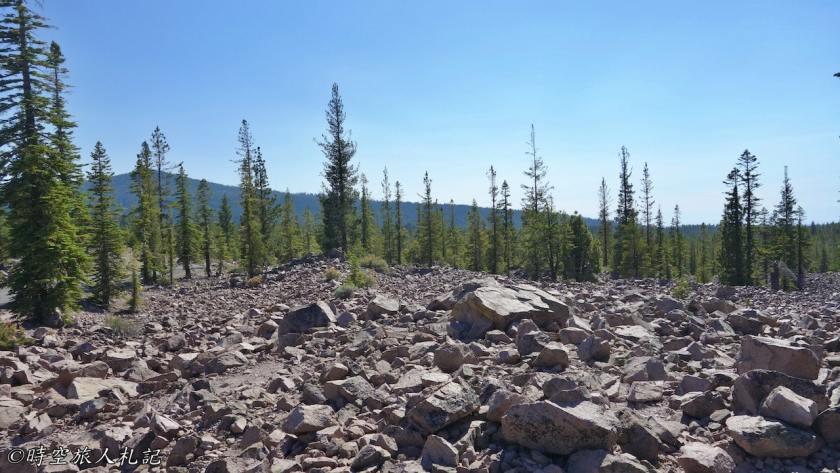 Lassen Peak trail 11