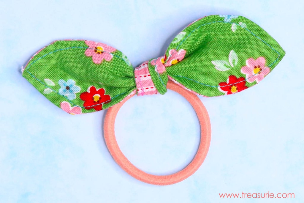 DIY Hair Ties - Hairbands with bows  af49ce01db4