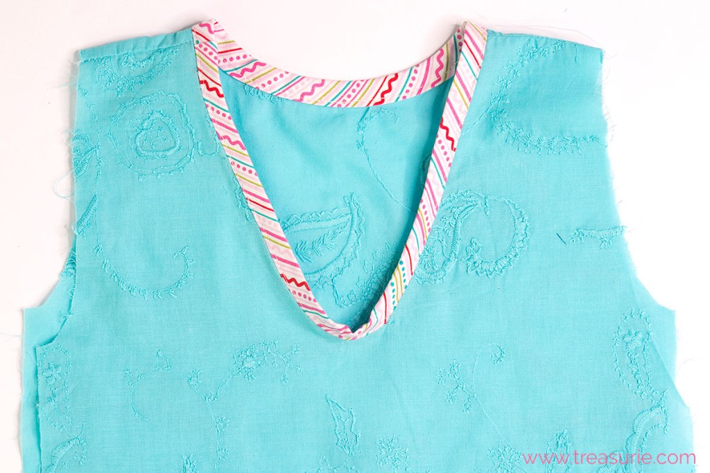 how to sew a v neck bias step 7