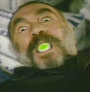 This isn't a special effect. John Colicos could actually just generate a blinding green light from his mouth. It only comes up here and in one episode of Mannix
