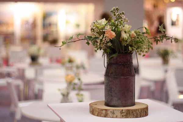 Rustic Weddings: Flowers