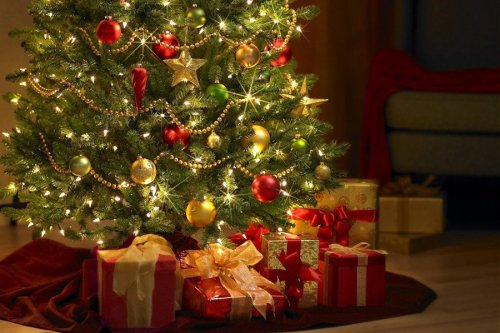 christmas-tree-wallpaper1024x7681_1024x1024