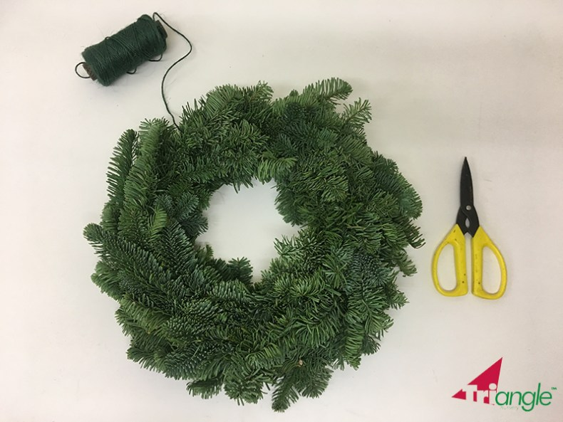 Learn How to Make a Traditional Christmas Wreath