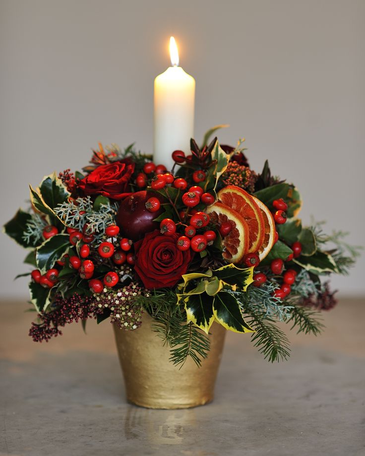 e0a895ad04d824b14e5d88bc02cbd741--xmas-flowers-christmas-flower-arrangements