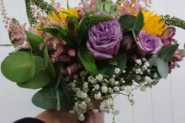 Buy your wedding flowers online at Triangle Nursery