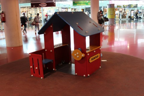 Play Area Food Court - Barcelona Airport