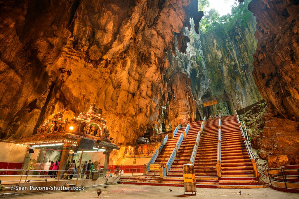 Batu Caves is popular among tourist in Malaysia, why is why you need to visit this KL attractions