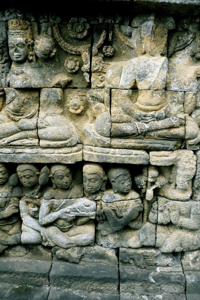 Ukiran misteri di Candi Borobudur