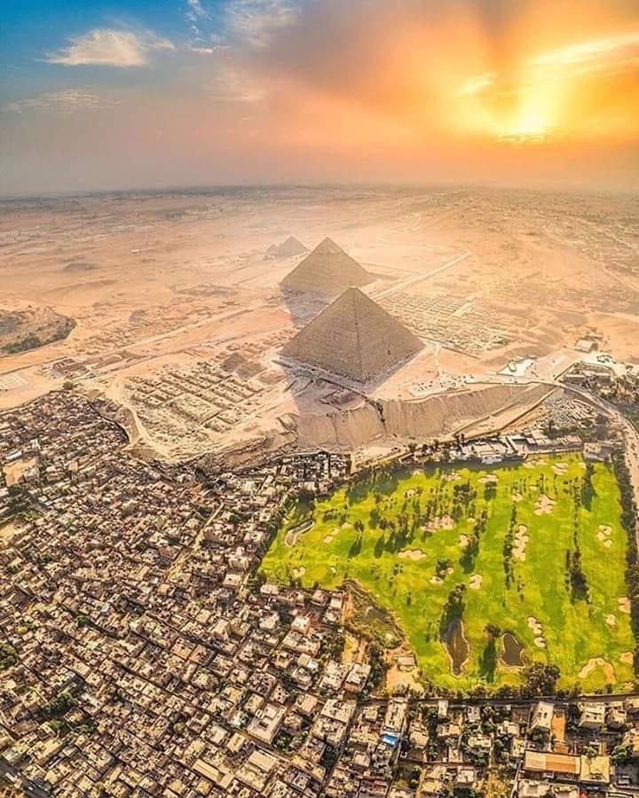 Pemandangan Piramid Giza