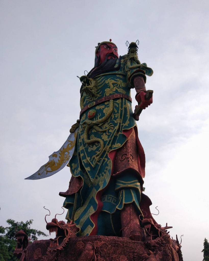 Bronze statue of the God Guang Gong.