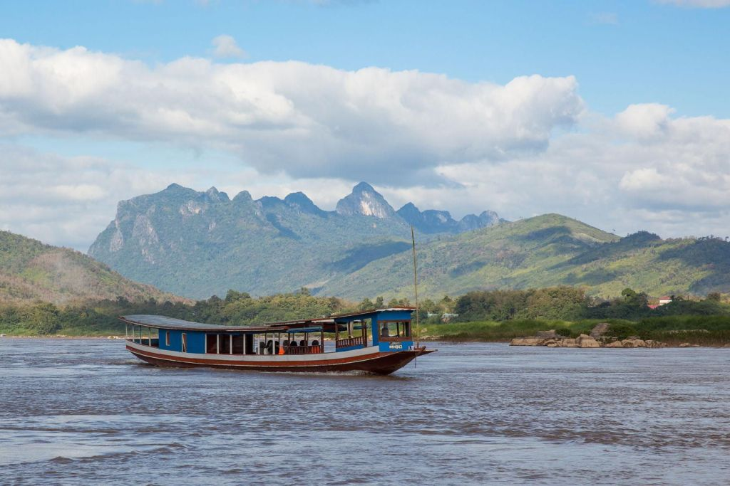 15 Incredible Things To Do And See In Laos For Muslim Travelers! Take the slow boat voyage from Thailand