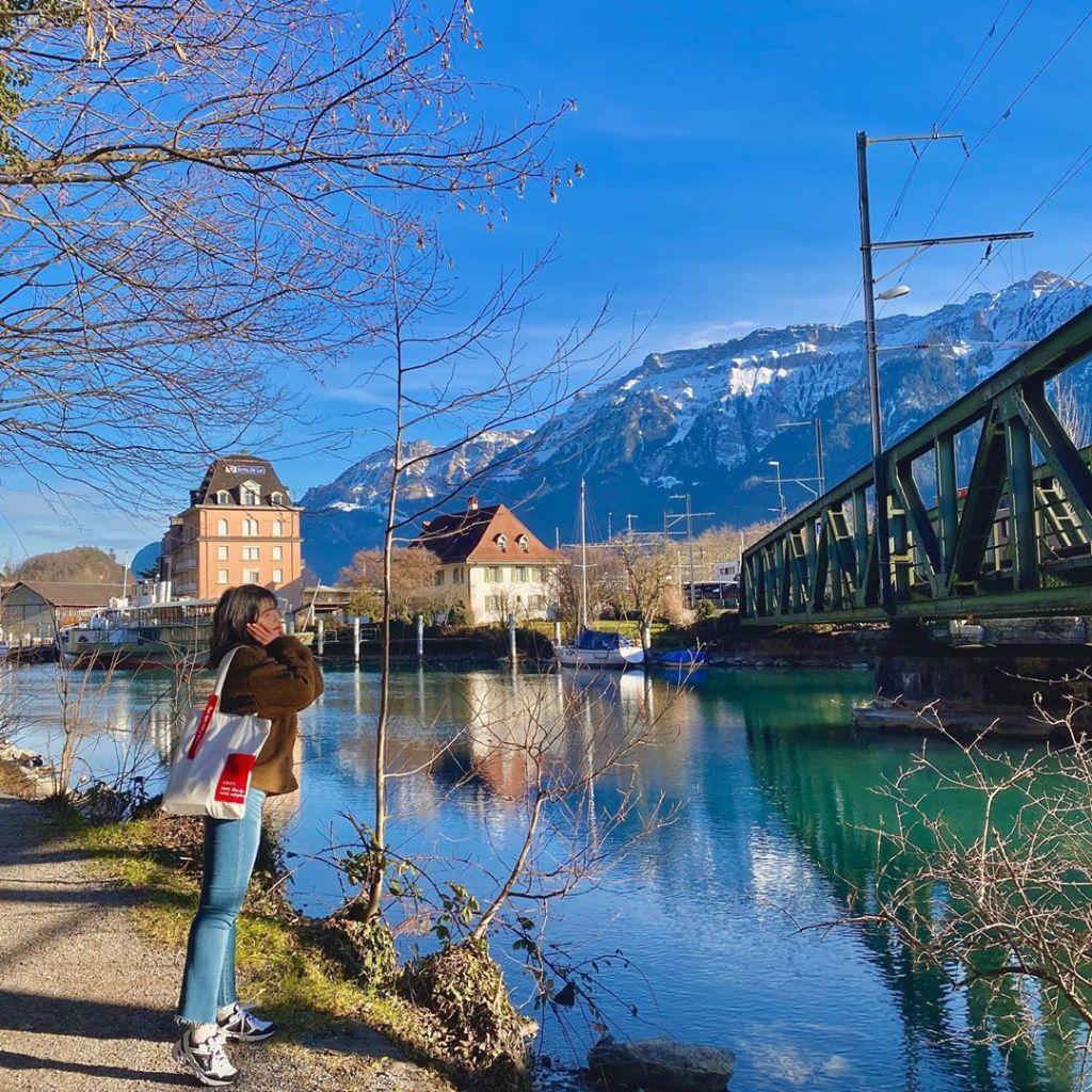 Pemandangan indah tasik di Interlaken