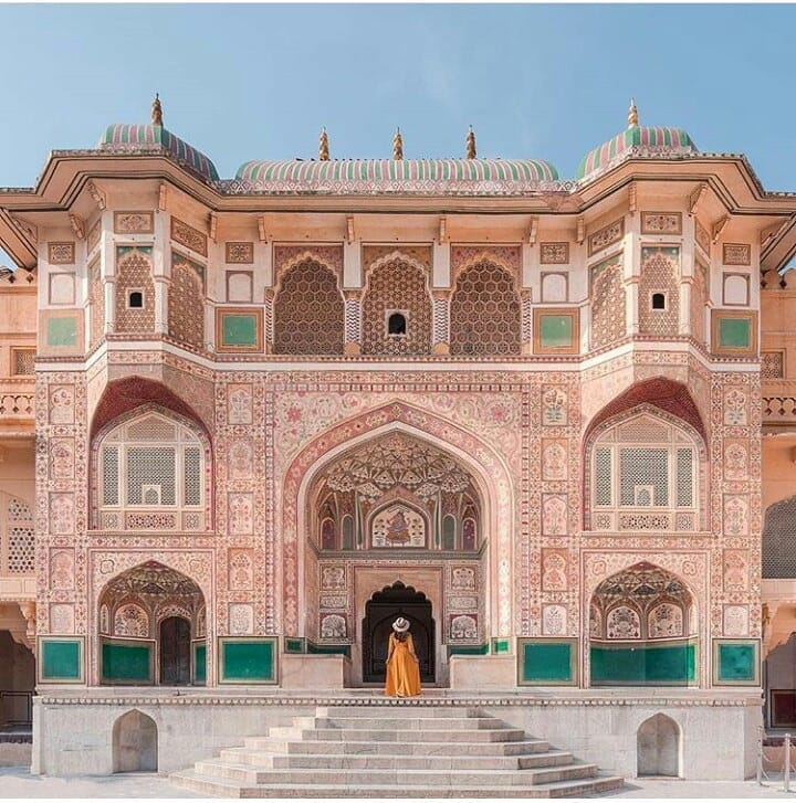 How to go to Amer Fort