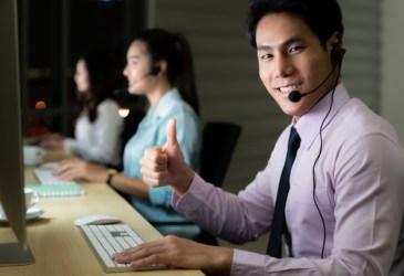 call-center-working-hard-night_63253-7878