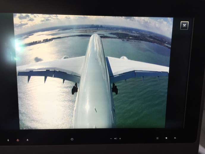 A350有機尾的airshow,看著前方Boston的skyline,自己的飛機緩緩地駛向跑道降落,為我們的旅程畫下一個完美的句點