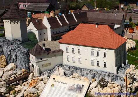 Podzamcze - Zamek Ogrodzieniec - Park Miniatur