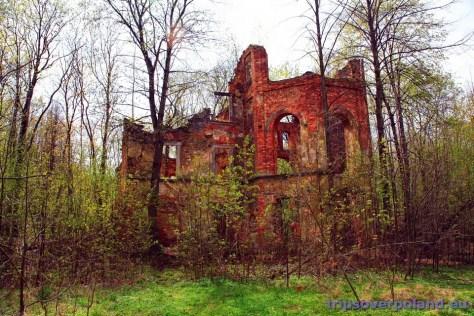 Ubocze Dolne - kiedyś był tu zespół dworski z XVIII/XIX wieku