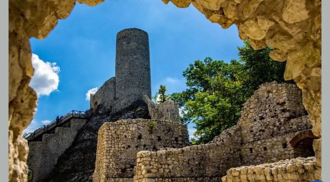 Najpiękniej położone polskie zamki – Zamek Pilcza w Smoleniu