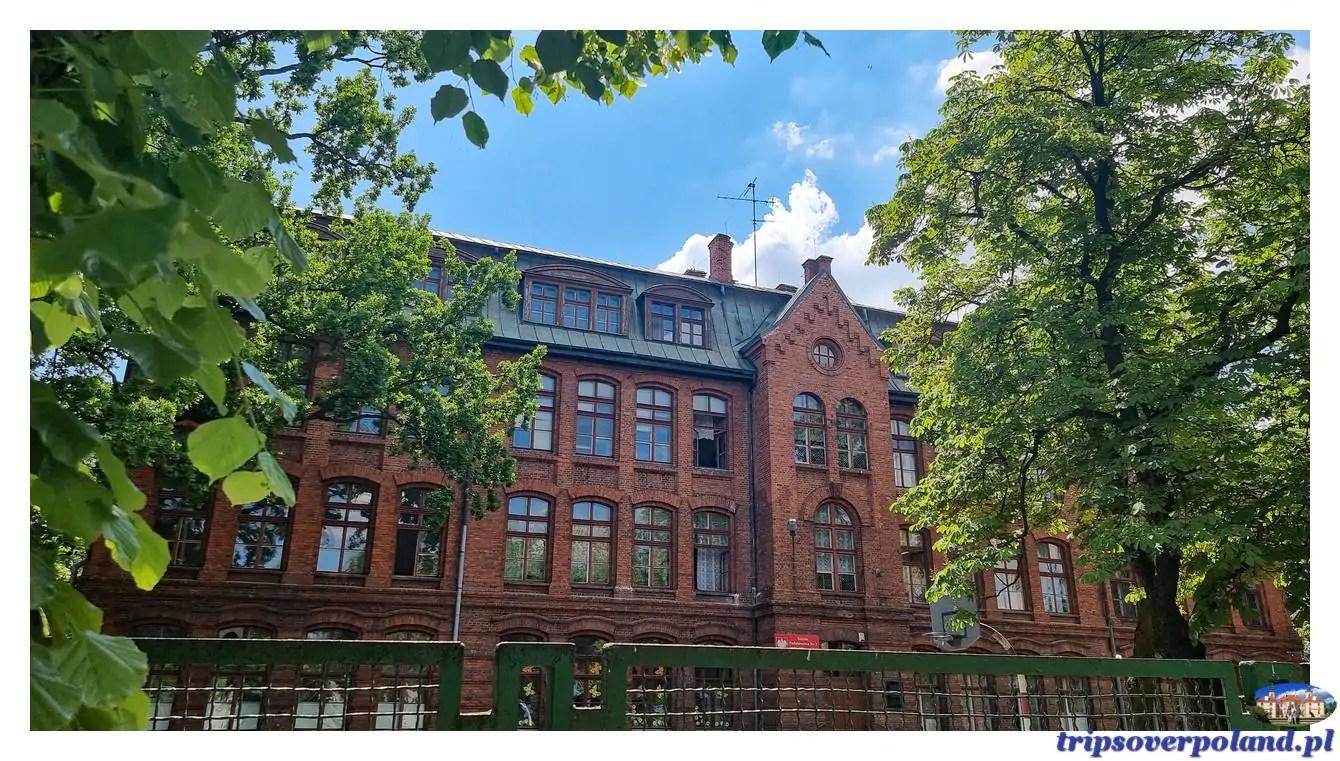 Żyrardów – budynek szkoły