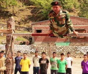 Amazing Patriotrism of Young Vaibhav Mende Who Could Not Join Army