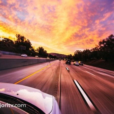 multa conducir carril izquierdo