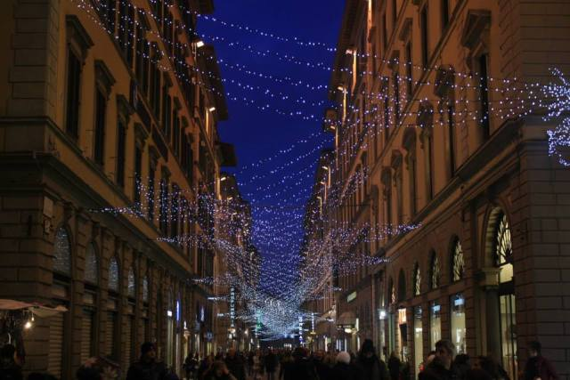 02 Florence Christmas street lights