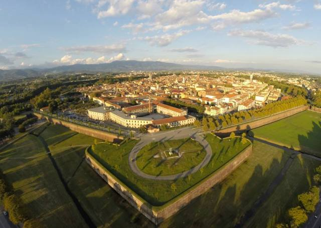 02 Lucca