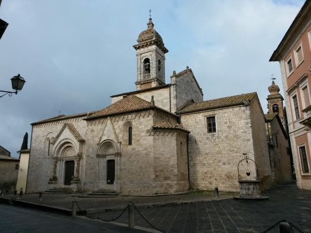 02 The collegiate church of San Quirico and Santa Giulitta