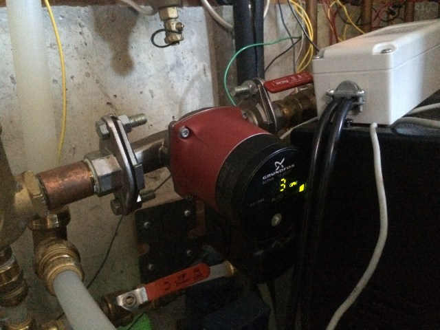 Chiller with Grundfos Pump