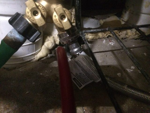 Dual valve and hose connection