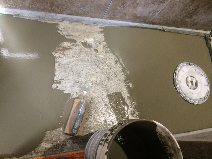 Leveling cement pour