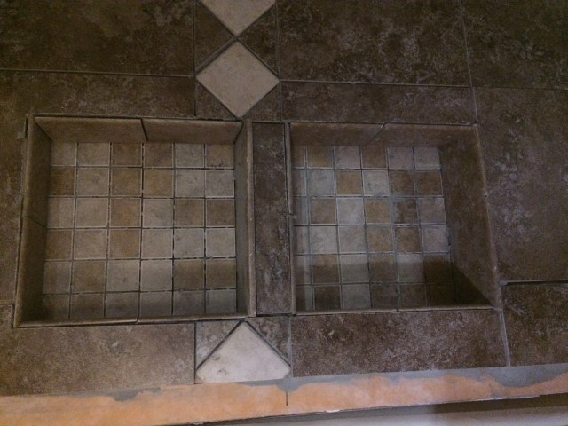 Shower niche with tall shelves