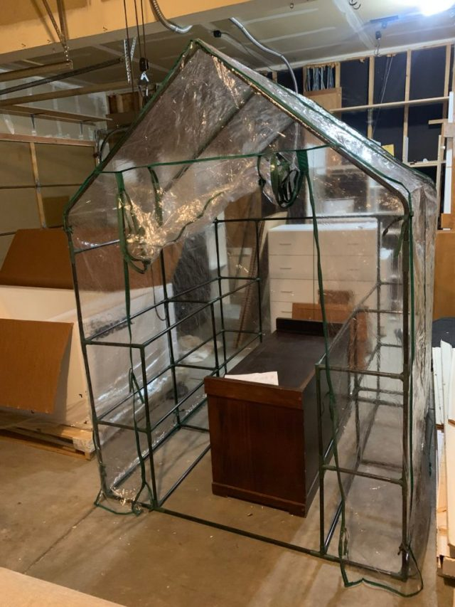 Greenhouse spray booth