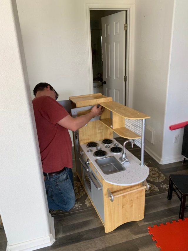 Wood kitchen assembly