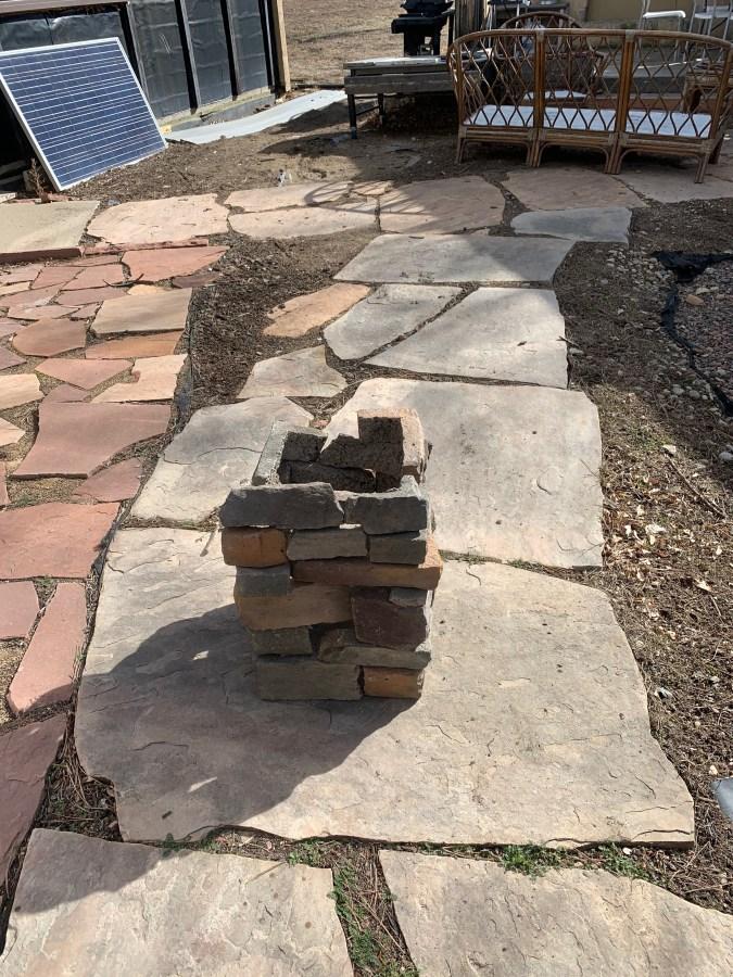 Faux rock block corners