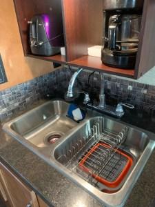 Sink dish drainer