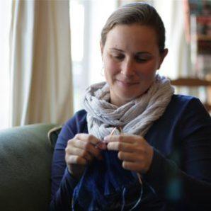 kat-knitting2