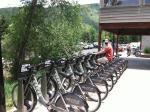 Who cycles? WE-Cycle! A friend checks out the new bike sharing program in Aspen. #StuffTeaPeopleLike