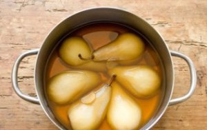 Pears poached in tea: Look good, taste and smell even better.