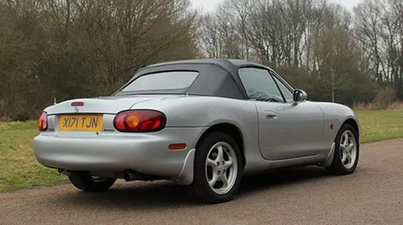 Driven: classic Mazda MX5 mk2 review | T W White & Sons Blog