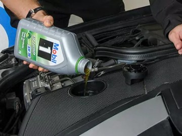 Oil change (c) Newspress