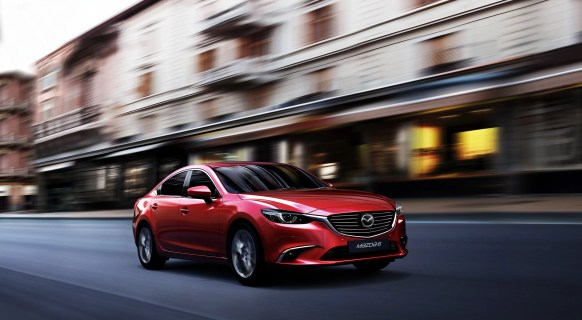 MAZDA6_CUT001_MME_UK_HIGH_SDN_DE_MT_SoulRed