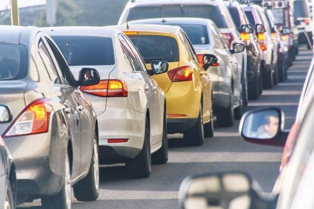 Traffic Jam vs. Artificial Intelligence