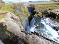einer von drei Wasserfällen auf dem Wanderweg